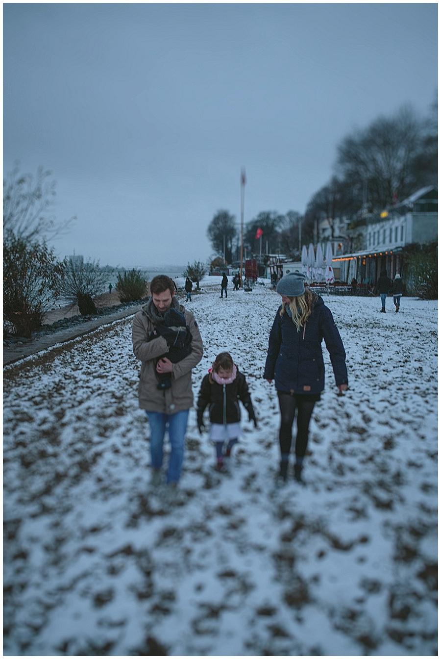 schneezauber-am-elbufer-familienfotografie-daniel-zube_0046.jpg