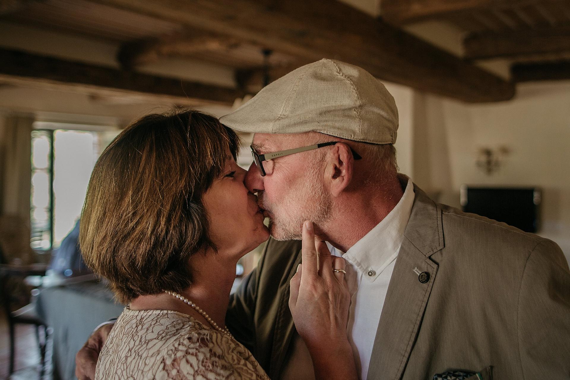 Traumhafte Hochzeit in der Provence. Die glücklichen Brauteltern.