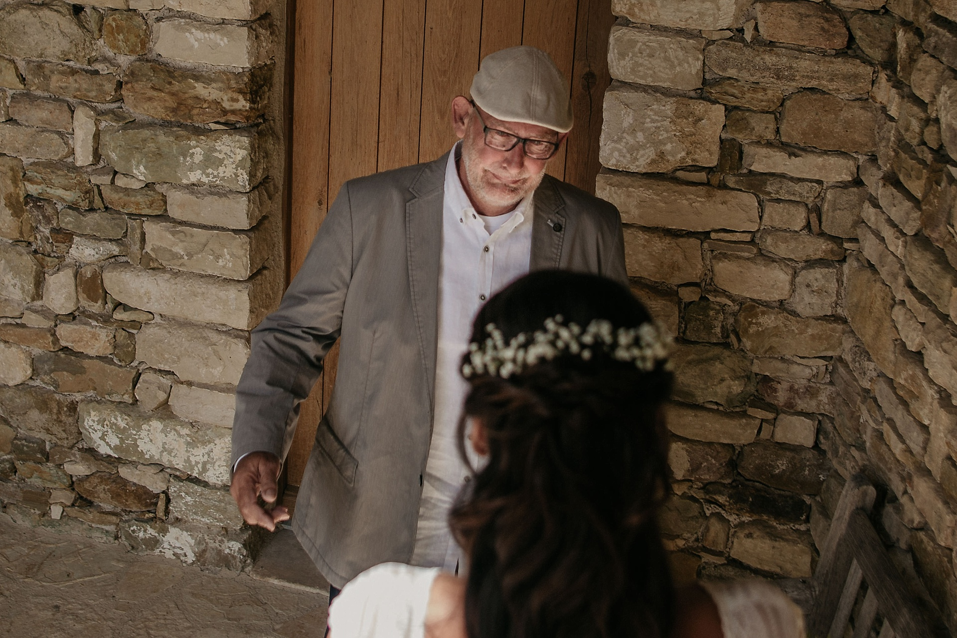 Traumhafte Hochzeit in der Provence. Zutiefst gerührt. Der Brautvater.
