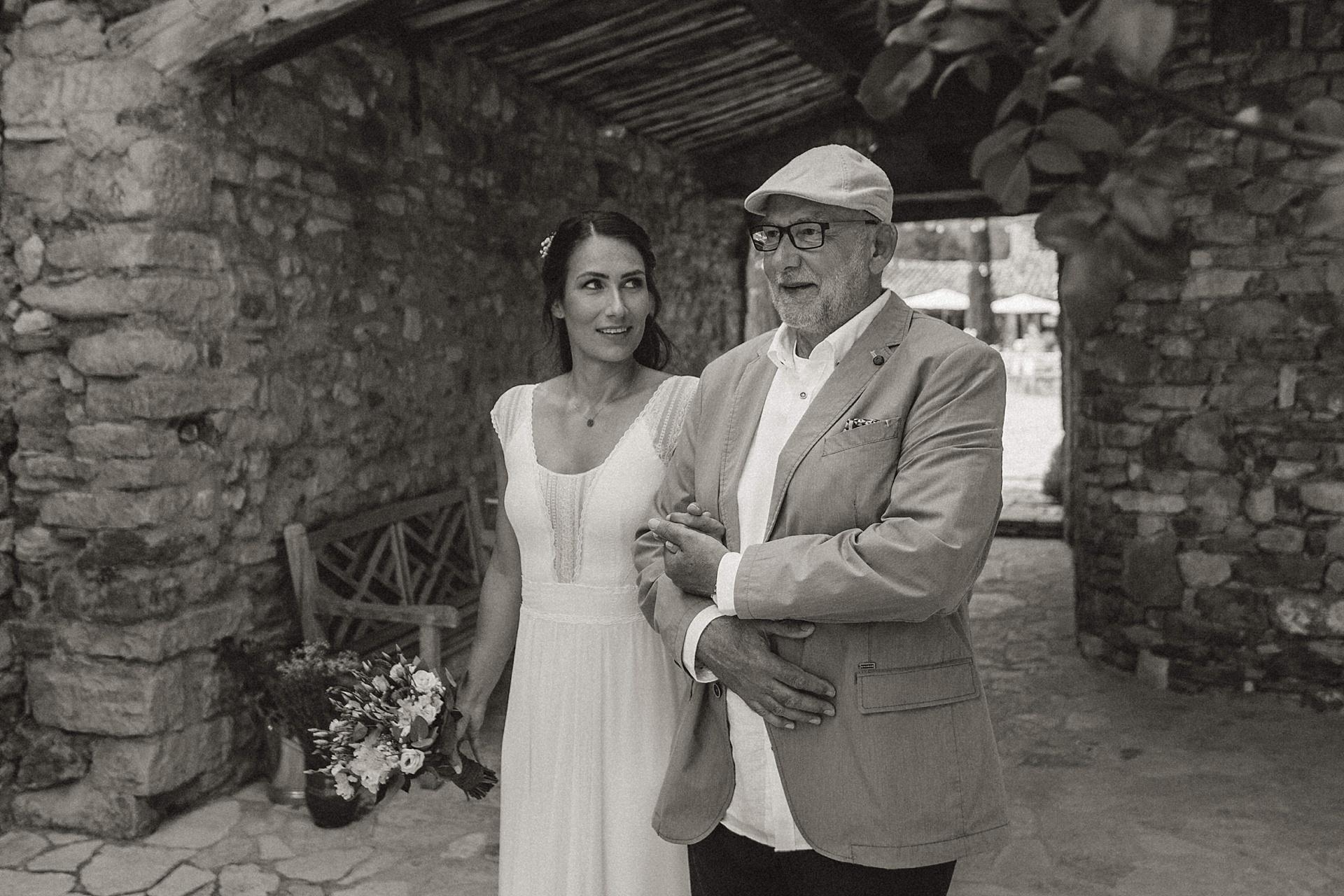 Traumhafte Hochzeit in der Provence. Der stolze Brautvater.