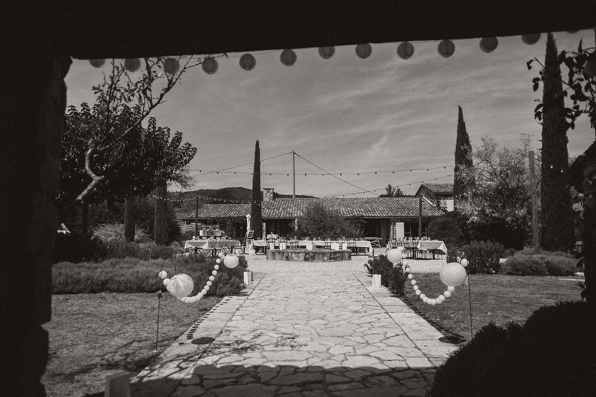 Traumhafte Hochzeit in der Provence. On Location Hameau de Cournille.