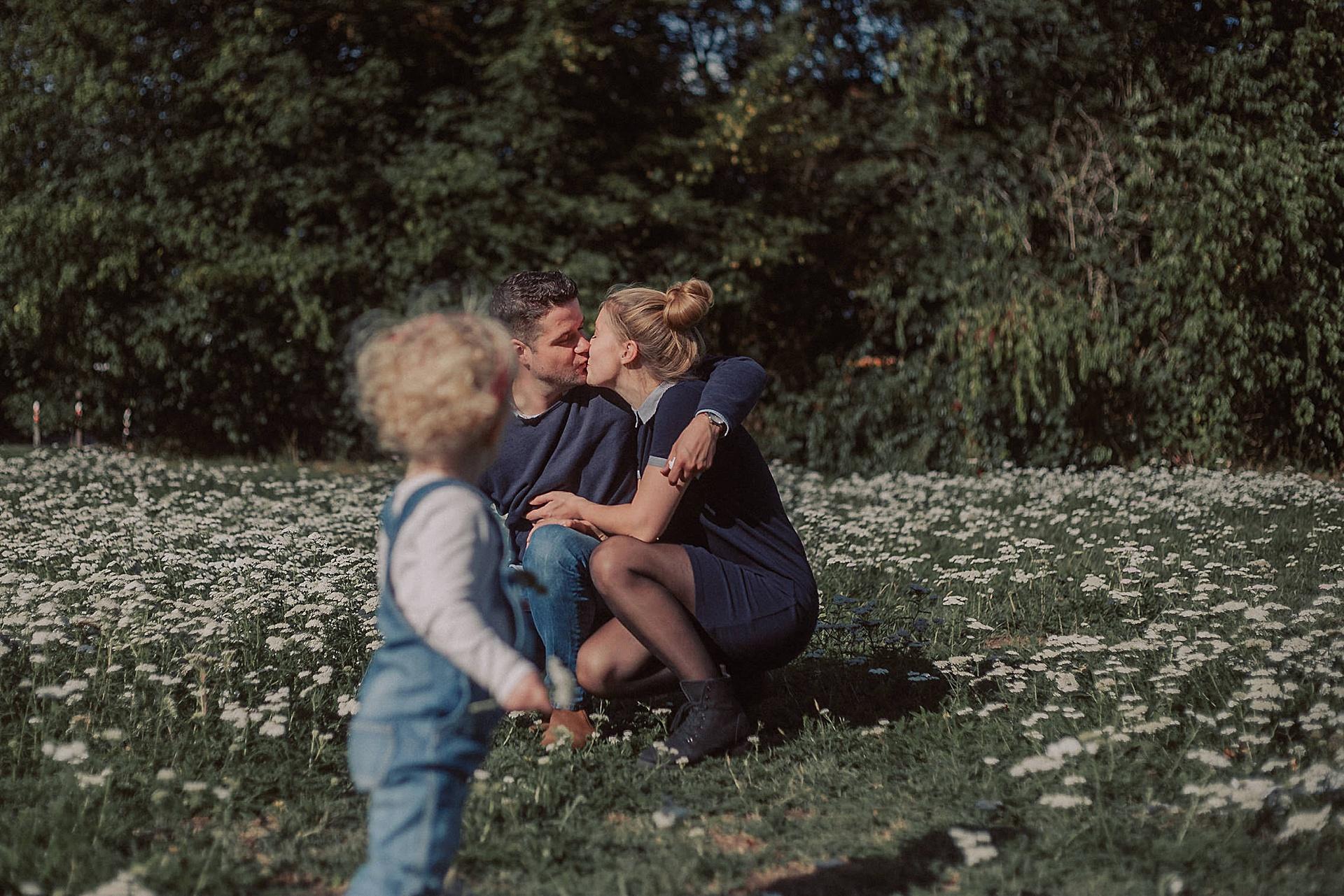 familienfotograf-familien-reportage-bremen-danielzube-familienfotografie_0017.jpg