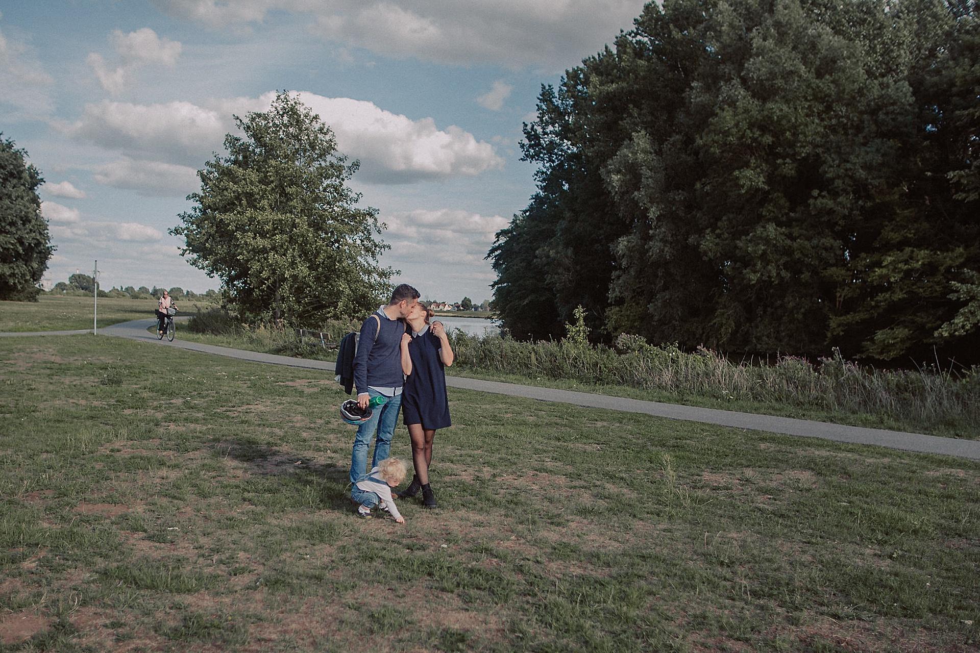 familienfotograf-familien-reportage-bremen-danielzube-familienfotografie_0022.jpg
