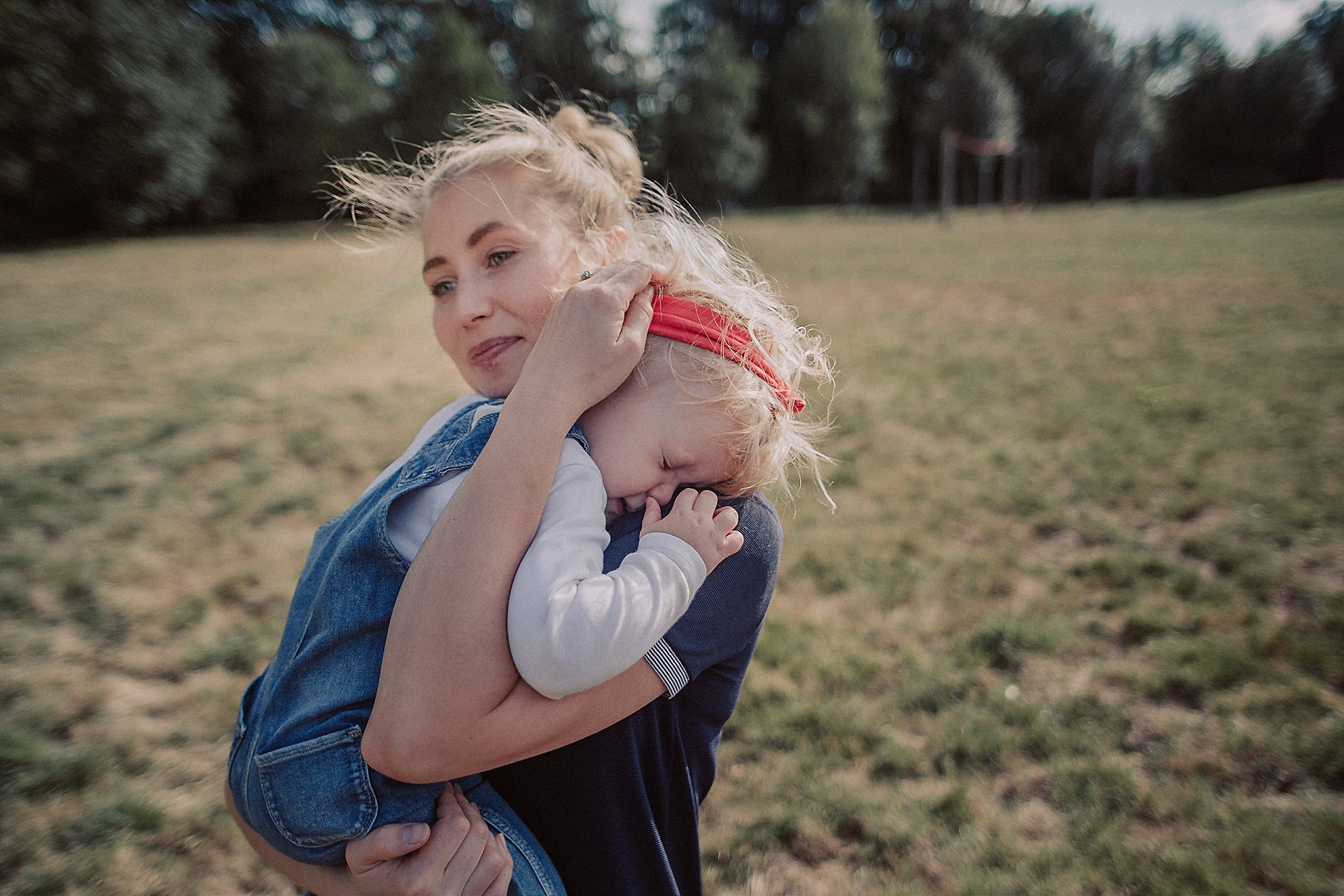 familienfotograf-familien-reportage-bremen-danielzube-familienfotografie_0023.jpg