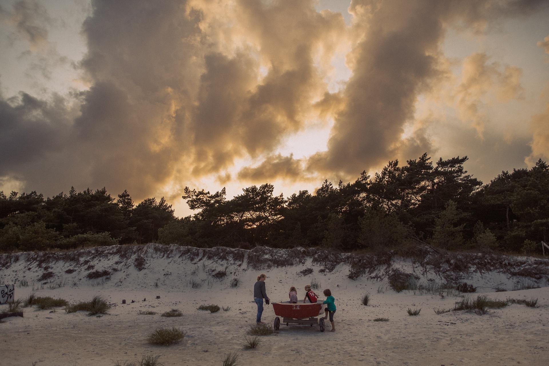 Flammender Abendhimmel - Bornholm Momente - Strandcamping am Dueodde